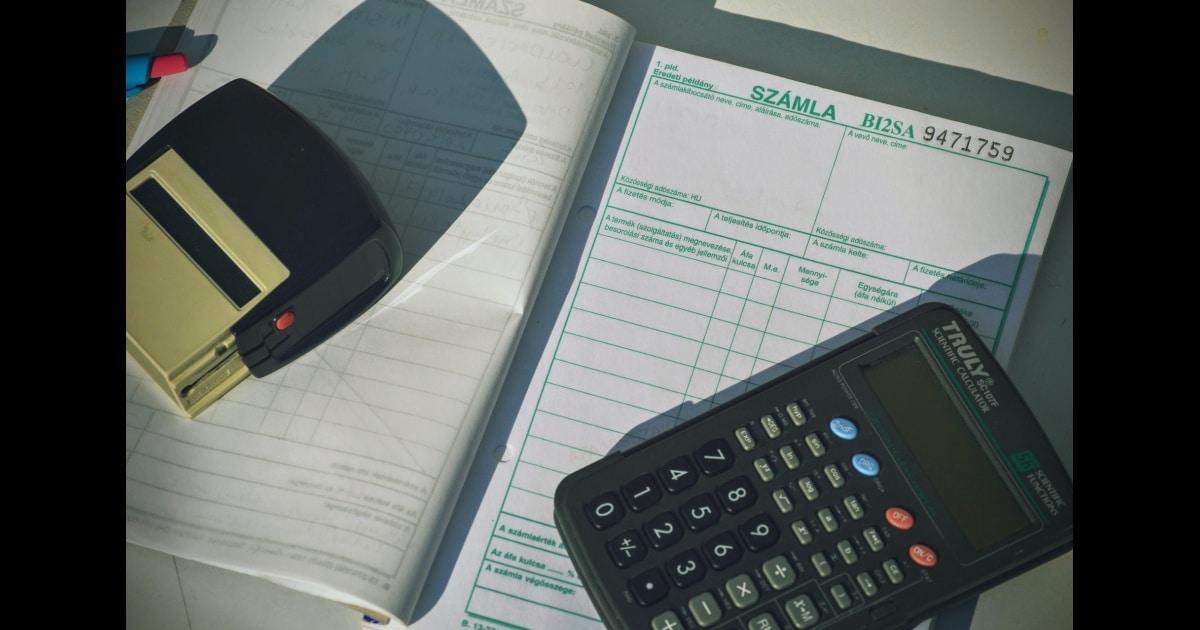 Qu'est-ce que les comptes débiteurs et la comptabilité à payer?