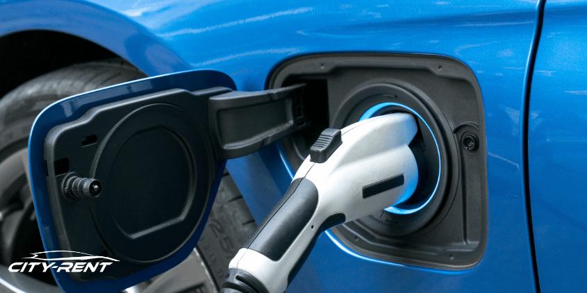 Pourquoi une voiture électrique ne se charge pas lors de la conduite?